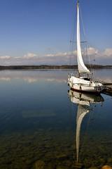 the sail boat (Roberto Defilippi) Tags: 2018 462018 rodeos robertodefilippi nikond7100 nikkor2470mmf28 lake lago barca boat riflesso reflexion