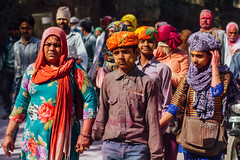 Mother & Son Pilgrims Holi, Vrindavan India (AdamCohn) Tags: adamcohn hindu india vrindavan crowd holi pilgrim pilgrimage pilgrims होली
