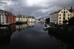 Ålesund, Møre og Romsdal, Norvegia - Photo 2018 (Gregorio9) Tags: alesund norvegia norway porto barca crepuscolo acqua fiume edifici