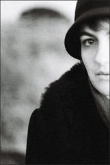 au soleil du soir (asketoner) Tags: woman portrait hat cut half face wood beach locmariaquer bretagne france