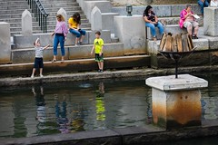 2018-8-25 WaterFire young visitors (Photograph by Matthew Huang)