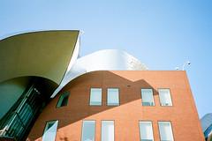 112525020028 (elsuperbob) Tags: cleveland ohio architecture frankgehry peterblewisbuilding weatherheadschoolofmanagement olympusxa kodak portra160 kodakportra160 casewesternreserveuniversity