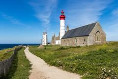 Phare Saint Mathieu [France] (Vins 64) Tags: france french bretagne brittany finistere bzh breizh phare lighthouse red church