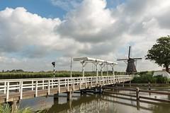 DSC_8598 (christianbraun1) Tags: holland niederlande rotterdam netherlands windmühle windmill wasser gracht fluss schiff alt historisch europa
