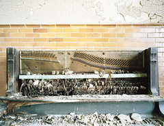 (.tom troutman.) Tags: fuji pro 400h mamiya 7 film analog 120 6x7 mediumformat 50mm abandoned hospital md