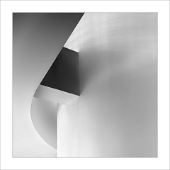 Gugg I (ximo rosell) Tags: bn bw buildings llum luz light arquitectura architecture abstract abstracció squares minimal ombres spain geometría ximorosell guggenheim bilbao