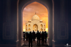 When crossing the gate, you must stop for a moment and enjoy one of the wonders of this world - Taj Mahal (Agra, Uttar Pradesh, India) (Juan María Coy) Tags: tajmahal agra uttarpradesh crownofthepalace mausoleum unesco worldheritagesite wondersoftheworld india evening sunset atardecer landscape paisaje mountains montañas turismo tourist tourism canon7dmarkii canon canonefs1585mm aire libre ladera montaña mountain colina arquitectura architecture silueta edificio building city ciudad cielo sky