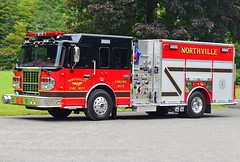 northville engine 4 (Zack Bowden) Tags: northville new milford ct fire truck engine spartan marion