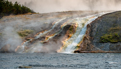 Firehole River at Grand Prismatic Spring (Rolf Enderes) Tags: yellowstone yellowstonenationalpark wyoming vereinigtestaaten us geyser grandprismaticspring firehole river fireholeriver water hot heat thermophile