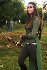 Arciere elfa (Adriano_2) Tags: laquila sulletraccedeldrago fantasy comics cosplay tolkien costume play archer arciero elfo donna arco frecce