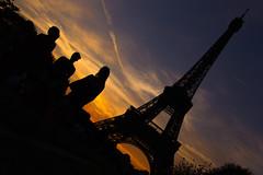 Champ-de-Mars (pepsamu) Tags: paris parís sky sunset people tower eiffel architecture torre arquitectura ocaso silueta silhouette campodemarte champdemars thechampdemars park garden parque jardín