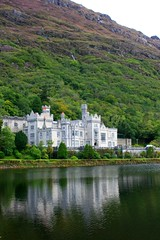Kylemore Abbey, région du Connemara (Comté de Galway, Irlande) (bobroy20) Tags: kylemoreabbey kylemore abbaye irlande ireland eire lac connemara montagne mountain paysage nature architecture