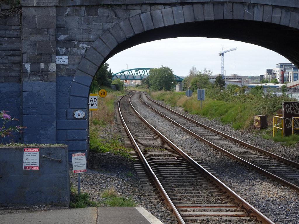 RANDOM IMAGES FROM  NEAR THE LUAS TRAM STOP AT BROOMBRIDGE [ BROOM BRIDGE TO REILLYS BRIDGE]-143950