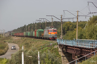 VL80S-136 electric locomotive with freight train