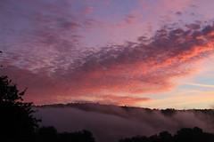 Lever de soleil et brume sur la vallée de l'Orne en Suisse normande. (chug14) Tags: leverdesoleil sunrise brume ciel nuage cloud suissenormande paysage