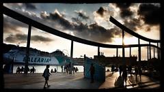 Port de Barcelone (Jean-Louis DUMAS) Tags: port bateau boat sunset coucherdesoleil barcelone ville sky nuage cloud