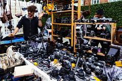 London (Tuomo Lindfors) Tags: london england unitedkingdom englanti yhdistynytkuningaskunta isobritannia greatbritain portobellomarket portobelloroadmarket koju stall kamera camera lontoo