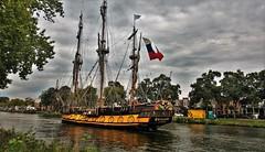 De Russen Komen! (2) (Peter ( phonepics only) Eijkman) Tags: zaandam zaanstad zaan zaanstreekwaterland nederland netherlands nederlandse noordholland holland ships schepen