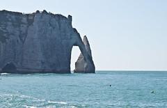 Klippe / Cliff # 2 (schreibtnix on 'n off) Tags: reisen travelling frankreich france étretat landschaft landscape meer sea strand beach himmel sky klippe cliff olympuse5 schreibtnix
