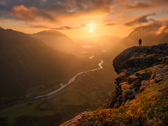Roots of the Mountains (lonekheir) Tags: norge norway mountains valley sun sunset river cliff light