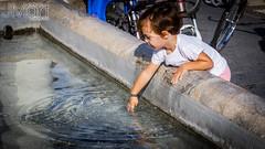 DIABICICLETA18FONTANESA10 (PHOTOJMart) Tags: fuente del maestre jmart pilar agua niño niña jugar dia de la bicicleta bike bici ciclismo famia amigo