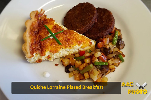 """Quiche Lorraine • <a style=""""font-size:0.8em;"""" href=""""http://www.flickr.com/photos/159796538@N03/42834334080/"""" target=""""_blank"""">View on Flickr</a>"""