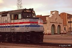 White flags in Phoenix (C.P. Kirkie) Tags: amtrak amtk atsf arizona atchisontopekasantafe santafe phoenix passengertrain excursiontrain trains railroads emd f40ph