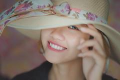 DSC01670 (Sài gòn-01665 374 974) Tags: portrait girl hat vintage beauty 135mm sony