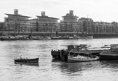 (DeepSane) Tags: london londonbridge thames river boat boats
