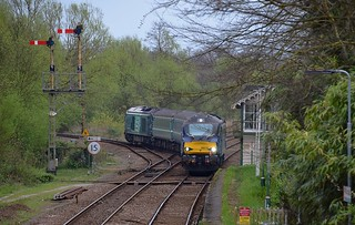 Class 68s Short Set, with 68019 'Brutus' top n tail with 68018 'Vigilant' taking the Junction off the Acle Line at Brundall, with a Gt Yarmouth - Norwich service. 14 04 2017