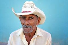 Cuba 2018 (mauriziopeddis) Tags: cuba trinidad caribe caraibi face viso portrait portraits reportage ritratto ritratti old man men cappello blu people tribe tribal culture canon mustake