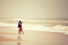 """All you need is love..."" (Ilargia64) Tags: love couple beach ocean softcolors horizonoverwater wave amayasanchez india peopple landscape seascape silence sand"