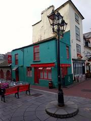 Le village côtier de Kinsale, Comté de Cork (Irlande) (bobroy20) Tags: kinsale cork architecture tourisme irlande ireland eire village lanterne rue street