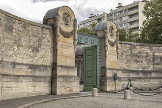 Père Lachaise Cemetery, Paris France