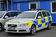 WX62 JYW (S11 AUN) Tags: wiltshire wilts police volvo v70 d5 anpr advanced driver training adt driving school pursuit tpac traffic car rpu roads policing unit 999 emergency vehicle triforce wx62jyw