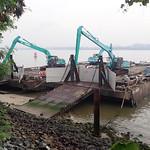 Large barge on Punggol Beach, Sep 2018 thumbnail