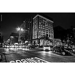 Avenida Paulista, São Paulo, Noite, Carros, cores, luzes, faróis, noturna (luizleitefotografia) Tags: grades carros cores luzes céus escuro noite poste arvores sombras janelas acesas avenidapaulista sãopaulo faróis noturna brasil