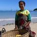 Marchande de fruits - Nosy be - MADAGASCAR