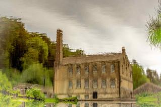DSC_0087 - Reflecting o Gibson Mill...