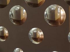 niki_00007 (cardigan48) Tags: geometry arte espejo lights interior sightseen muro local