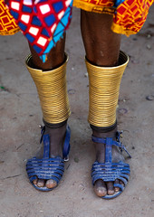 Mumuhuila tribe woman anklets bracelets, Huila Province, Chibia, Angola (Eric Lafforgue) Tags: adult africa africantribe angola angola180032 angolan ankle anklebracelets anklet bracelet chibia colourimage day developingcountries ethnicgroup feet huila indigenousculture jewellery lifestyles mukuma mumuhuila mwila nonurbanscene nyaneka oneperson onewomanonly ornament ornate photography plasticshoes realpeople ruralscene traditionalclothing traditionalornament tribal tribe unrecognisablepeople vertical huilaprovince ao