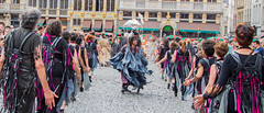 Zinneke 2018 - Fin de Parade (saigneurdeguerre) Tags: findeparade europe europa belgique belgië belgien belgium belgica bruxelles brussel brüssel brussels bruxelas ponte antonioponte aponte ponteantonio saigneurdeguerre canon 5d mark 3 iii eos zinneke parade 8 mai mei 2018 zinnode fumee