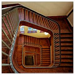 Bendlerblock (frodul) Tags: berlin alt architektur aufgang gebäude innenansicht spirale treppe treppenaufgang treppenhaus bendlerblock gedenkstätte deutschland