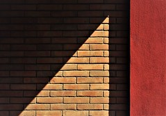 IMG_9241 (olivieri_paolo) Tags: supershots walls abstract minimal shadow bricks texture