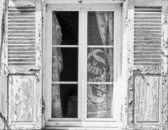 WHITE HOUSE (Ageeth van Geest) Tags: cracked monochrome blackandwhite bw whitehouse smileonsaturday whiteonwhite window paint decay white house curtains