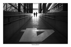 [ Four or Two ] (Marcos Jerlich) Tags: perspective urban focus people walkers depth dof contrast architecture symmetry flickr bnw bw noiretblanc monochrome mono background light saopaulo sesc américadosul canon canont5i canon700d efs1855mm marcosjerlich silhouettes