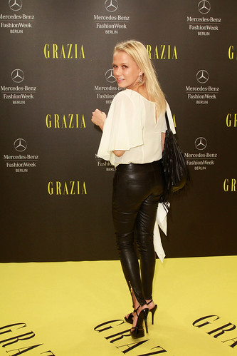 Hot blonds ass you the