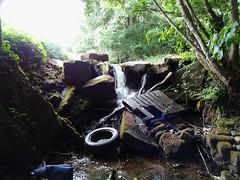 Weir, Blaen Bran Brook, Ty Pwca Road, Cwmbran 23 August 2018 (Cold War Warrior) Tags: rubbish flytipping brook pontnewydd cwmbran weir blaenbran