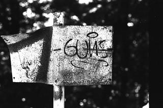 Guns and dust (Leica M6)