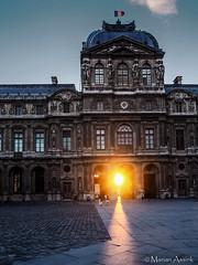 The Louvre at sunset (marian.assink) Tags: louvre parijsjuli2018 zonsondergang
